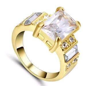 Jewelry - GORGEOUS WEDDING RING SIZE 9
